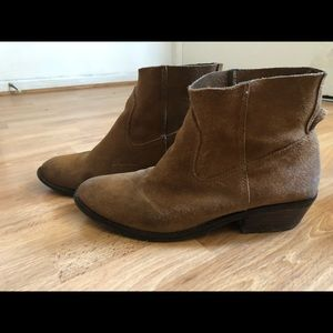 Old-man style booties